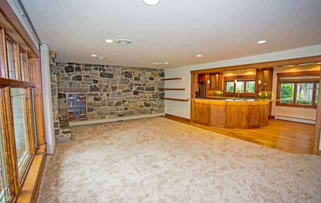 recaptured-quality-family-room